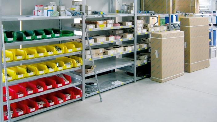 Arbeitsplatz Installationsverteilerbau